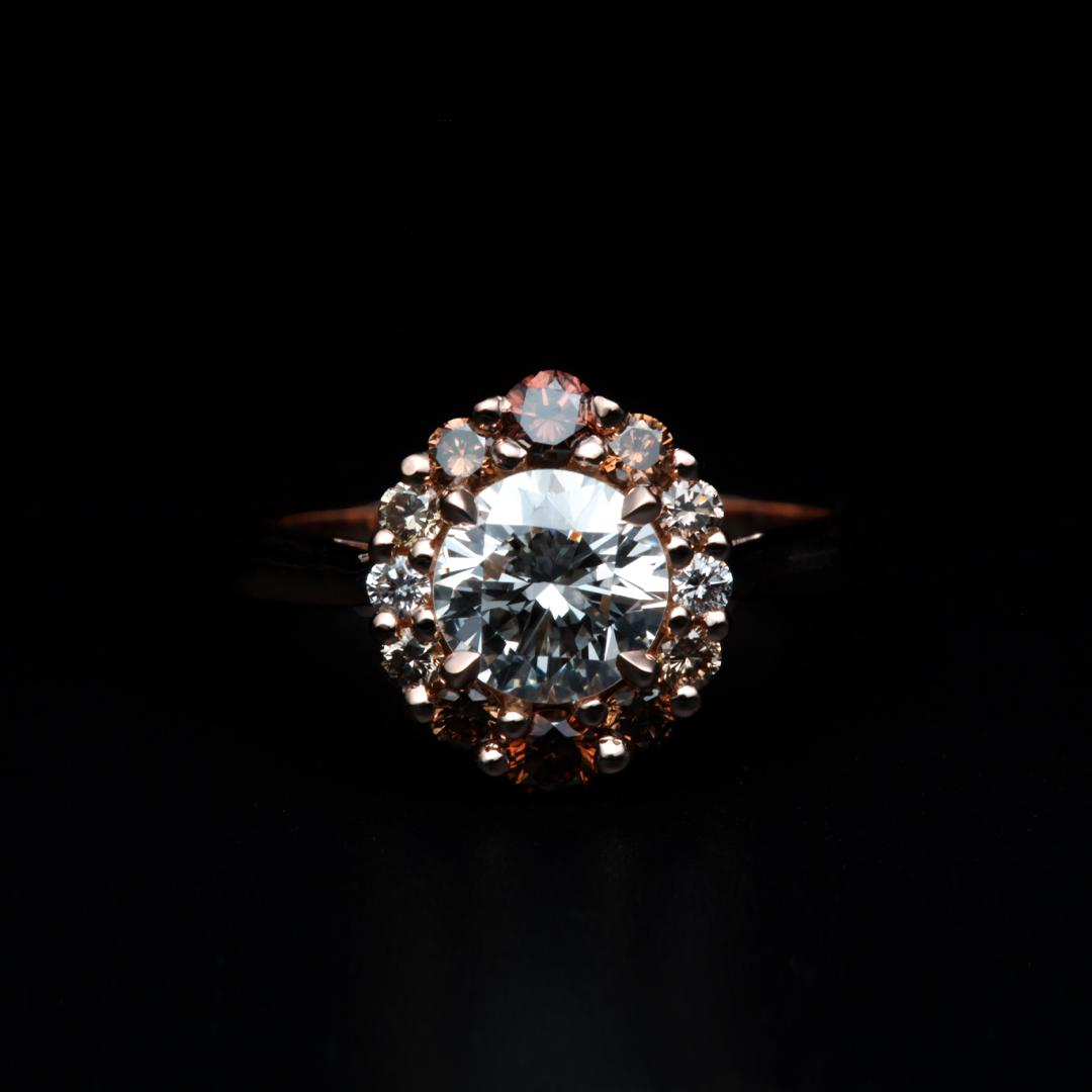 Bague en or rose sertie d'un diamant taille brillant et d'un degrade de diamants bruns (Ref 169)